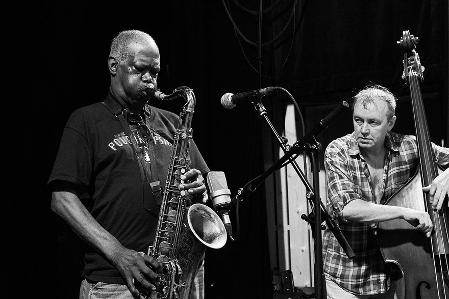 Joe McPhee et John Edwards, Bruisme, Poitiers