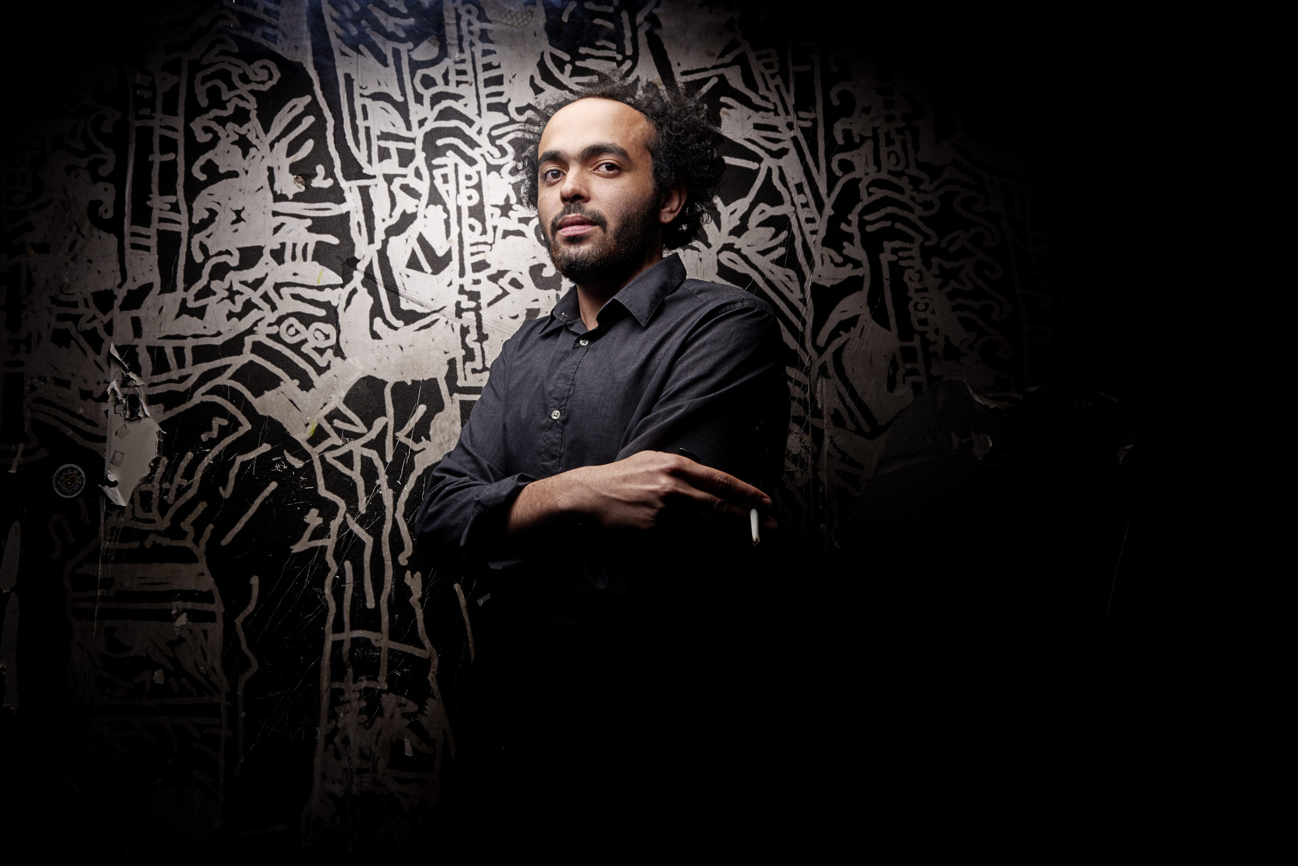 Le poète et slameur Abdullah Miniawy