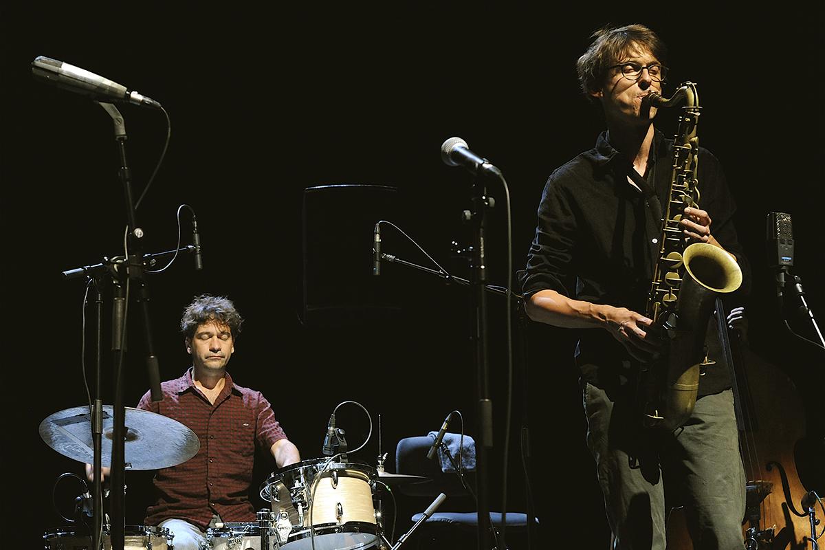 Geoffroy Gesser au saxophone et Francesco Pastacaldi à la batterie, La Peuge en Mai au festival Météo 2020