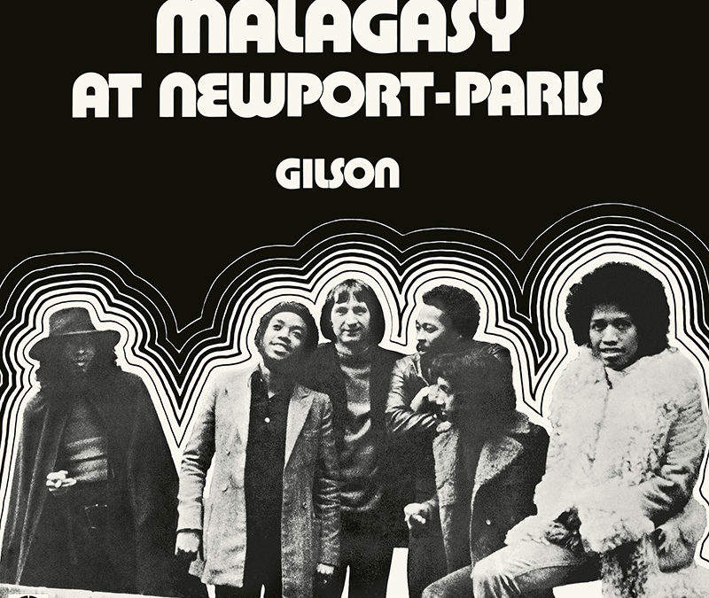 At Newport-Paris, chronique