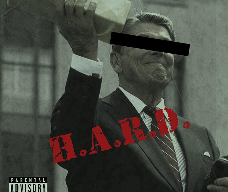 H.A.R.D, chronique